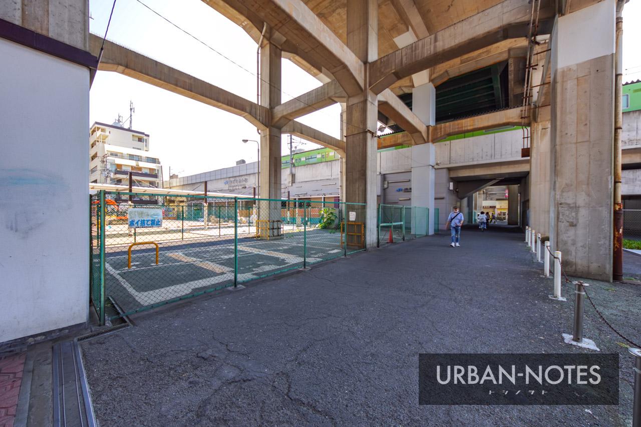 河内永和駅前交通広場 2021年6月 04